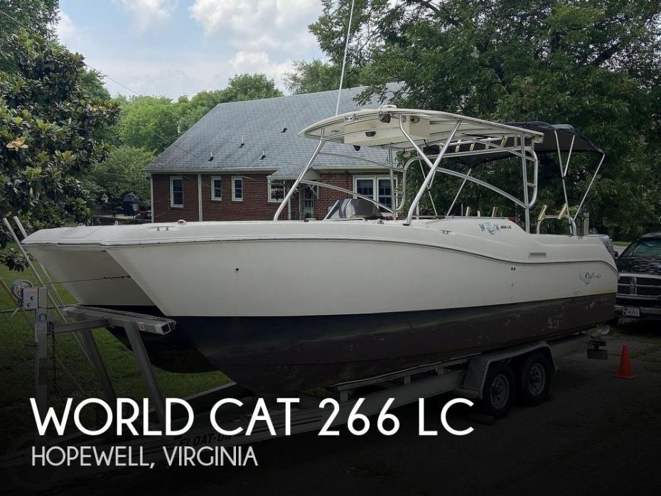 2000 World Cat 266 LC