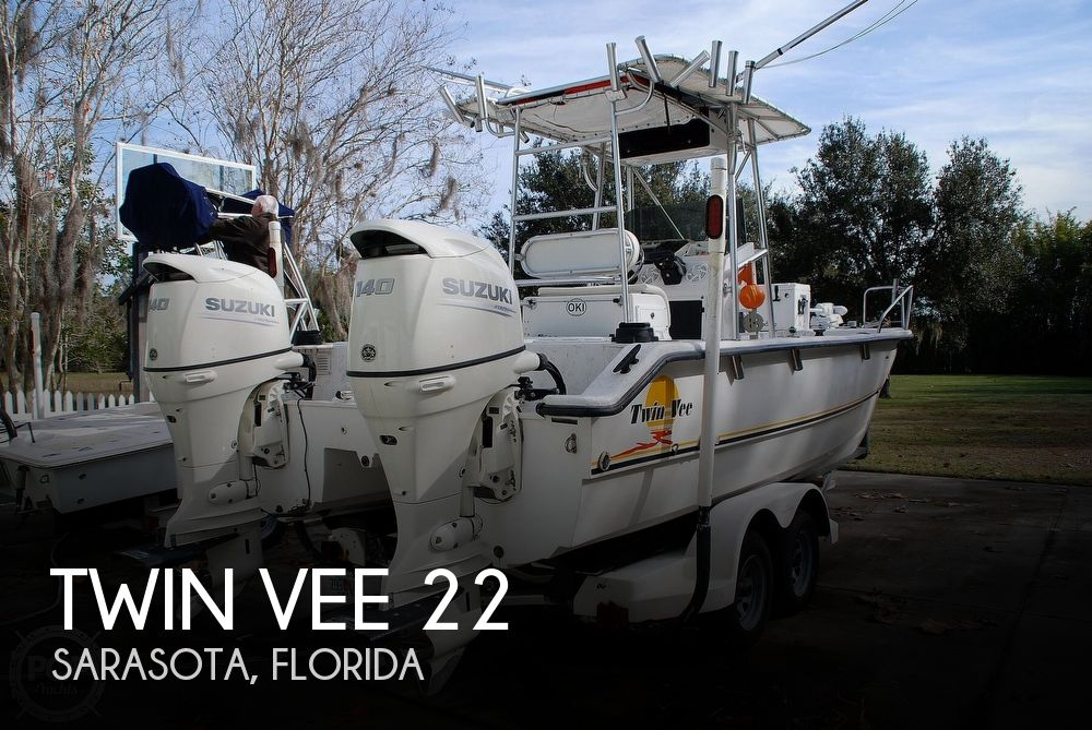1999 Twin Vee 22 Awesome Cat