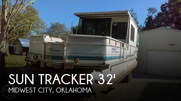 1995 Sun Tracker Party Cruiser 32