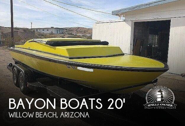1970 Bayon Boats 20' Day Cruiser