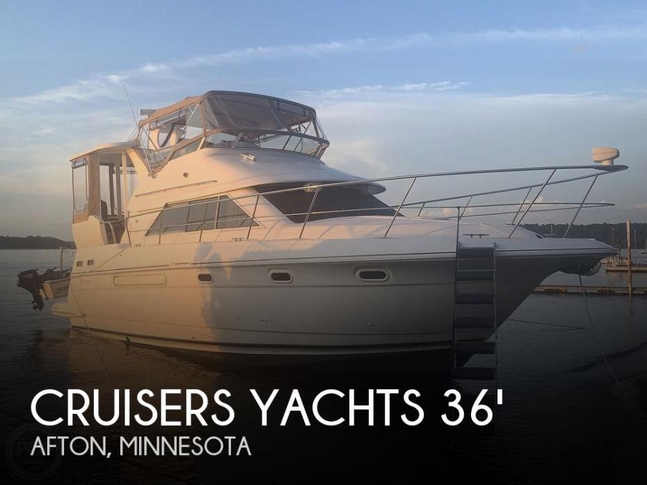 2001 Cruisers Yachts 3750 Motor Yacht