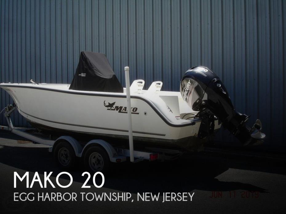 2015 Mako 204 Center Console