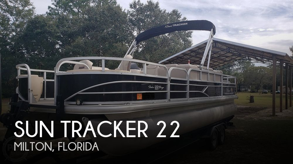 2019 Sun Tracker 22 DLX Fishing Barge