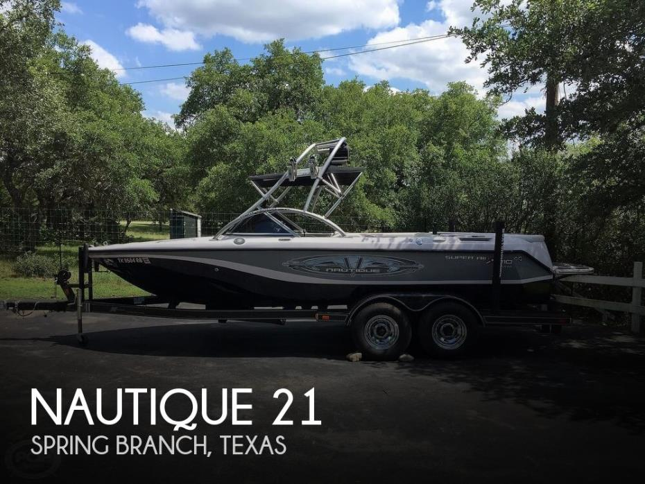 2004 Nautique Super Air 210