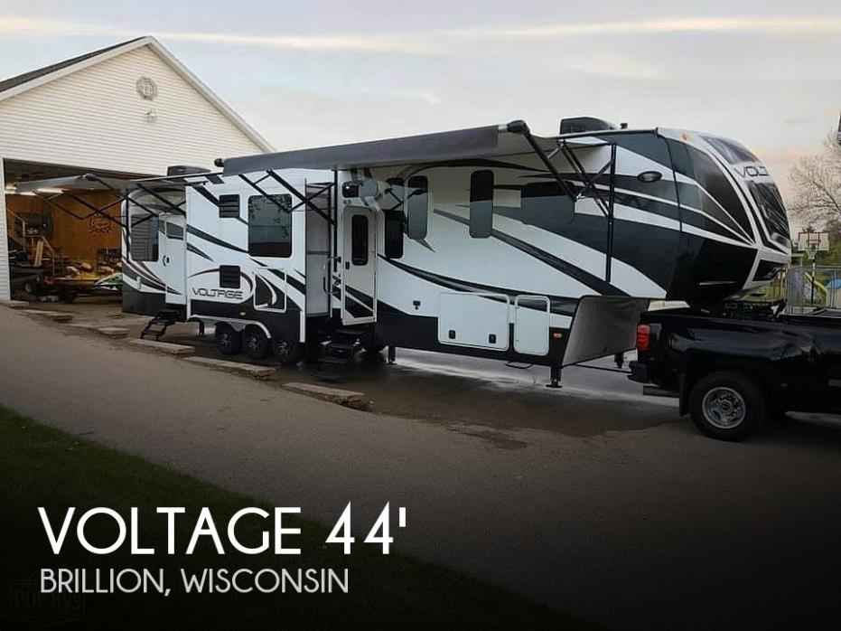 2015 Dutchmen Voltage 3990 Toy Hauler
