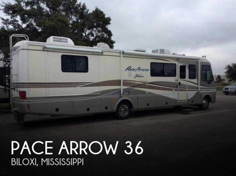 1999 Fleetwood Pace Arrow 36