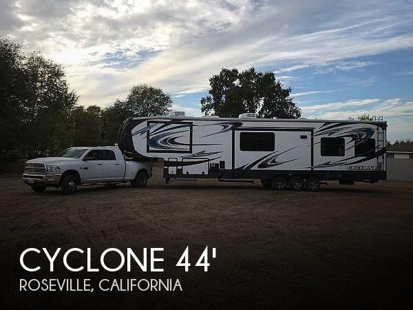 2014 Heartland Cyclone CY 4000 Elite