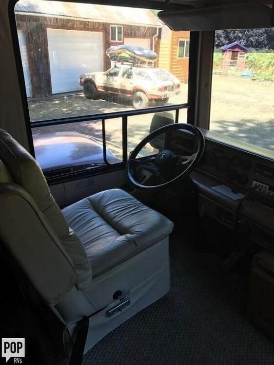 1990 Monaco Safari 36, 7