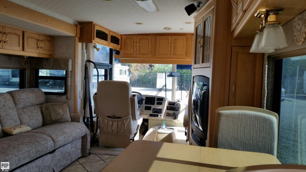2003 Itasca Sunflyer 39T, 18