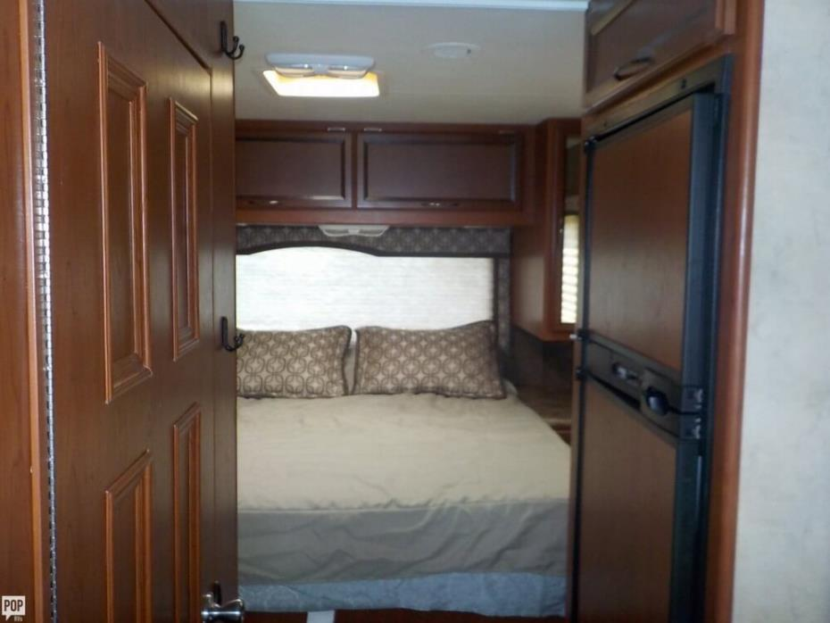 2013 Thor Motor Coach Four Winds 28Z, 10