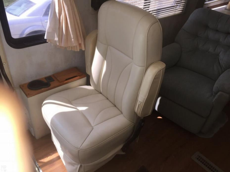 2000 Holiday Rambler Ambassador 37, 14