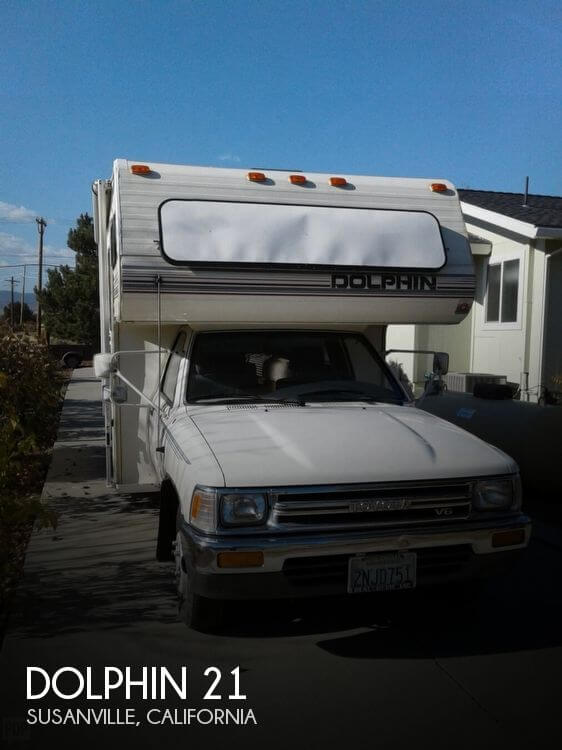 1989 National RV Dolphin 900 21 RB