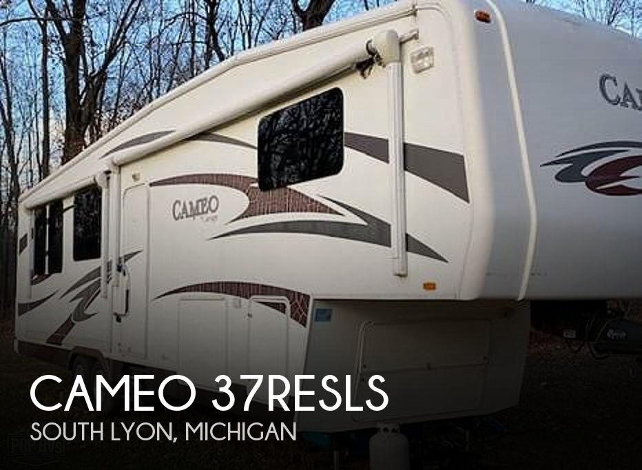 2011 Carriage Cameo 37RESLS