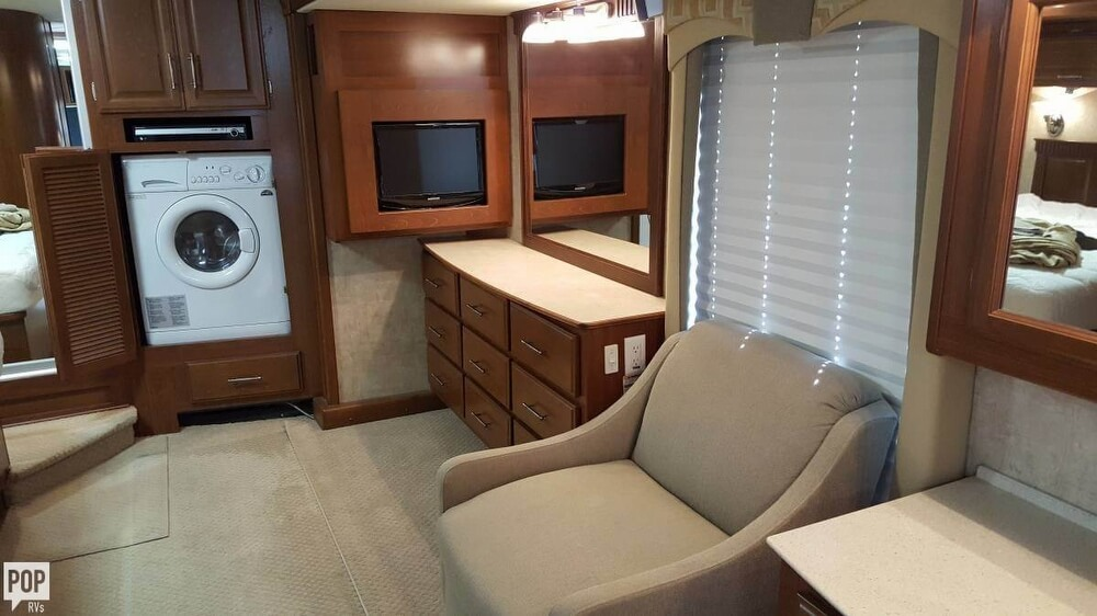 2008 Fleetwood Discovery 39R, 15