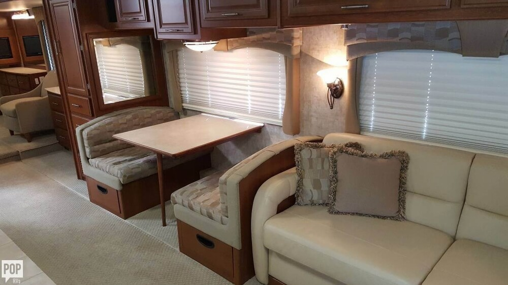 2008 Fleetwood Discovery 39R, 7