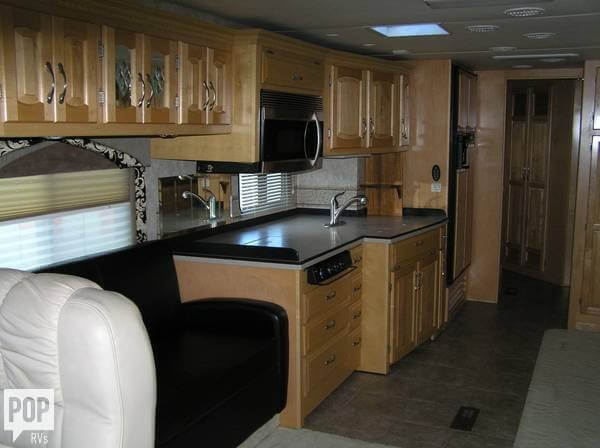 2005 Newmar Dutch Star 4320