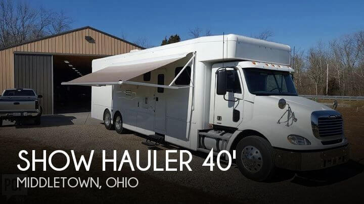 2015 Show Hauler 40' Semi-Conversion