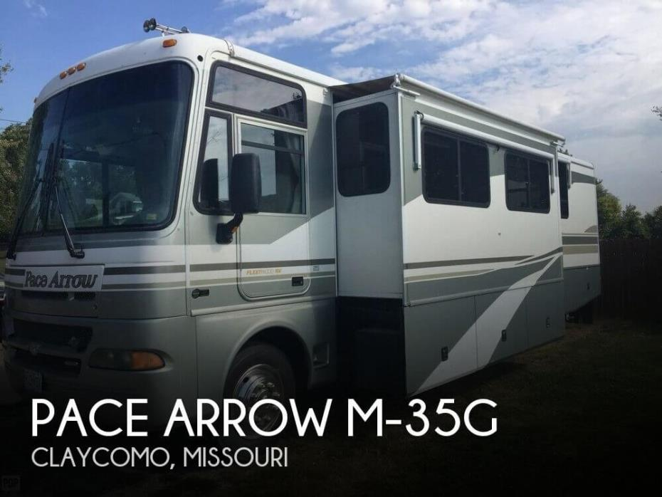 2003 Fleetwood Pace Arrow M-35G