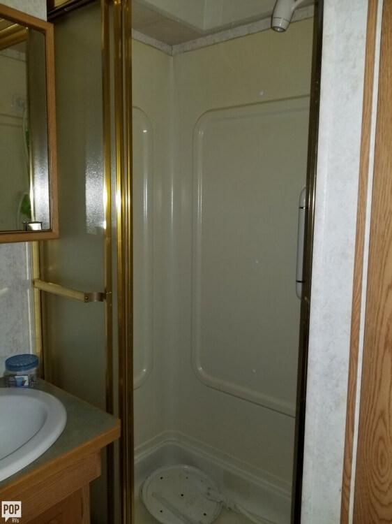 2003 Newmar Scottsdale 3670, 20