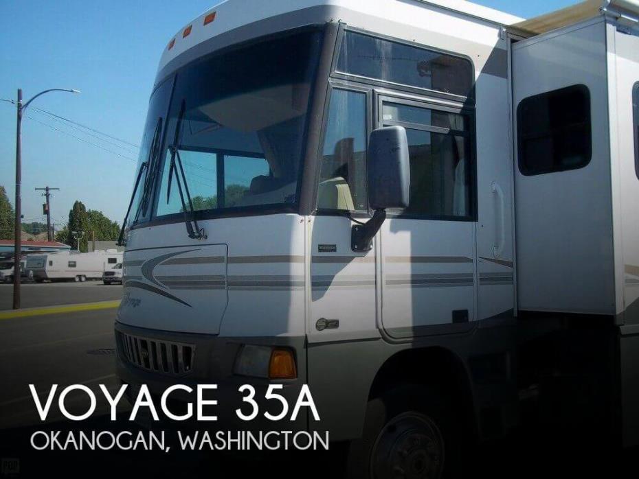 2005 Winnebago Voyage 35A