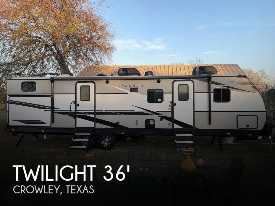 2021 Cruiser RV Twilight 3300