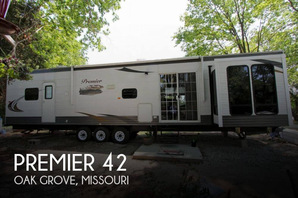 2016 Hy-Line Premier 42