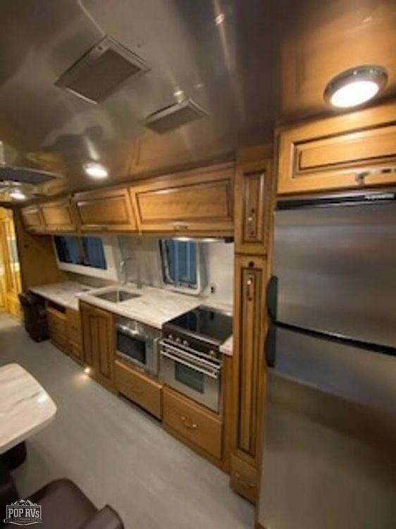 2018 Airstream Classic Limited 33 FB