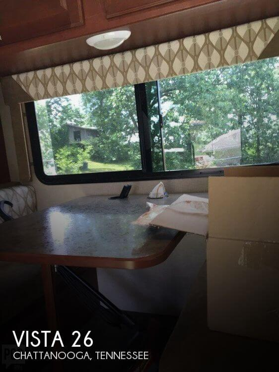 2014 Winnebago Vista 26