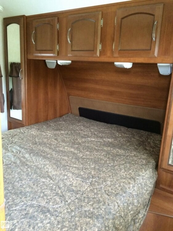 2013 Coachmen Freedom Express 29, 10