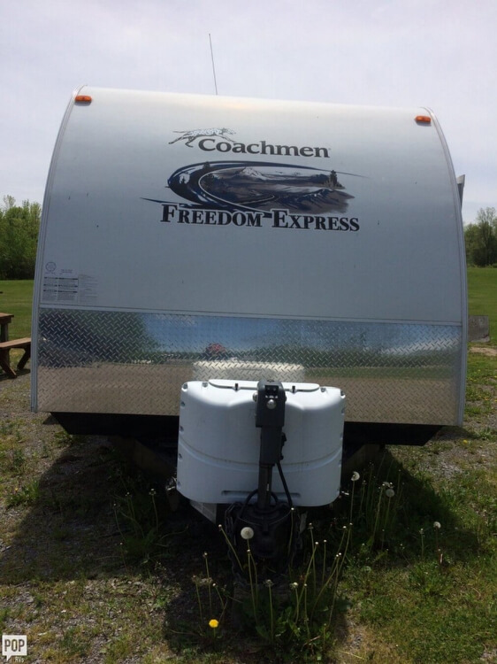 2013 Coachmen Freedom Express 29, 2