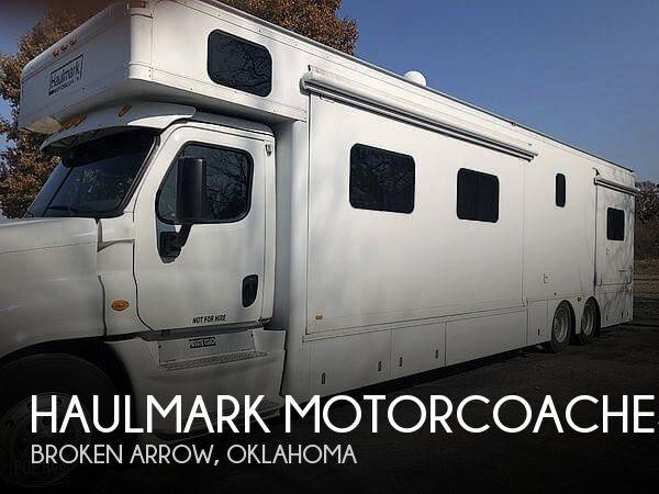 2013 Haulmark Haulmark Motorcoaches Cascadia 4502DS