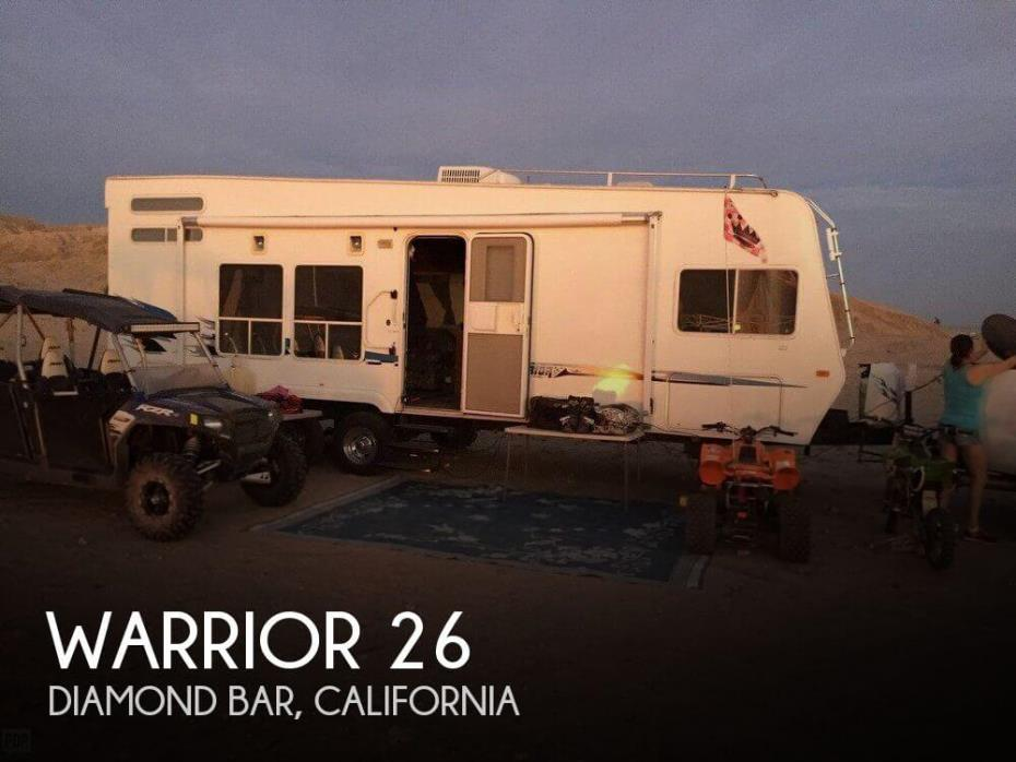 2005 Winnebago Warrior 26