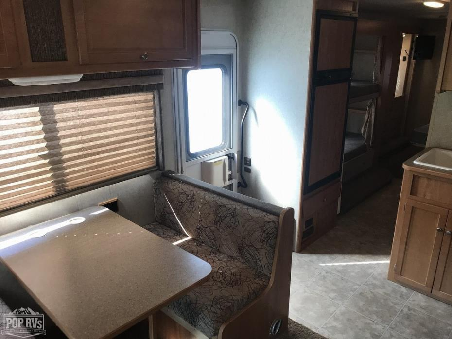 2008 Winnebago Access 31J