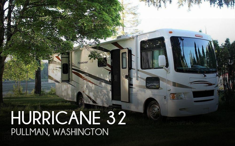 2011 Thor Motor Coach Hurricane 32
