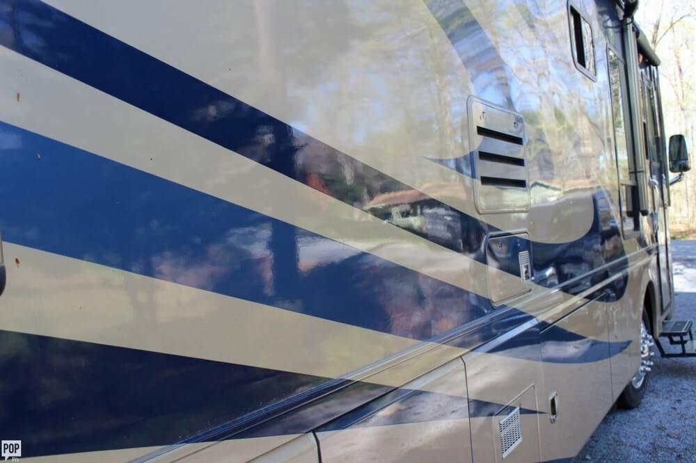 2005 Monaco Monaco Diplomat 36SKT, 12