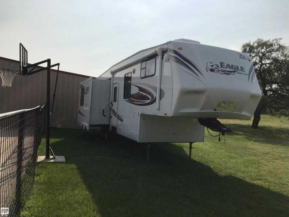 2011 Eagle Super Lite (by Jayco) 315 RLTS, 17