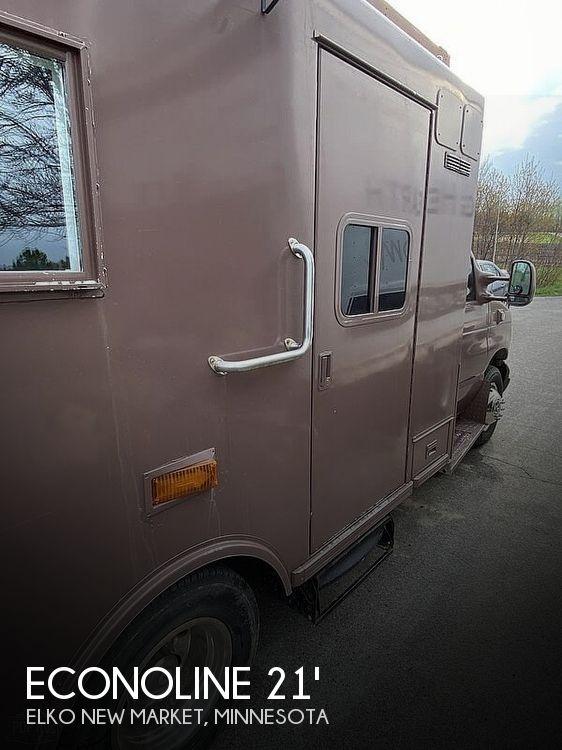 2004 Ford Econoline E350 Campulance