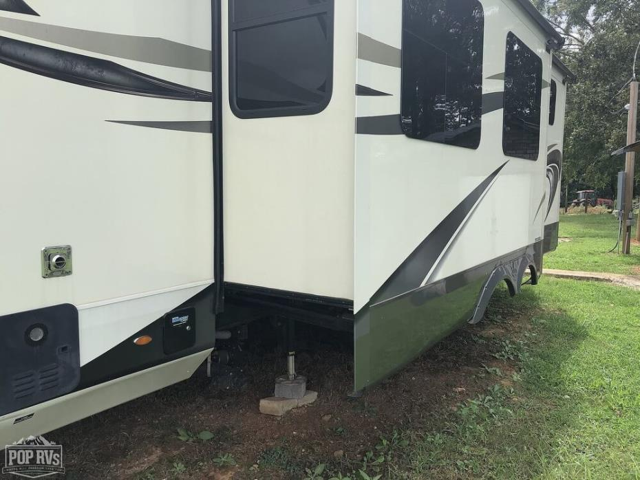 2018 Jayco North Point 379DBFS