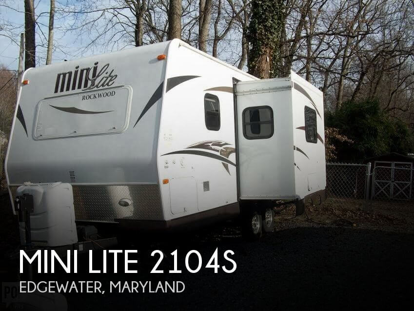 2014 Rockwood Mini Lite 2104s