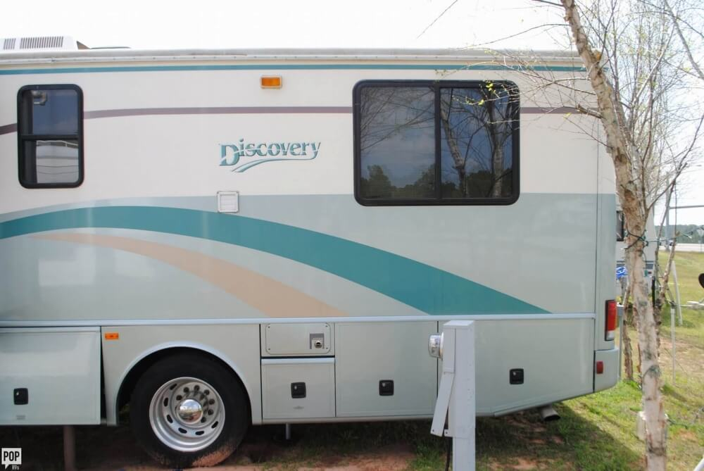 2000 Fleetwood Discovery 38, 15