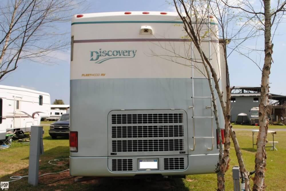 2000 Fleetwood Discovery 38, 16