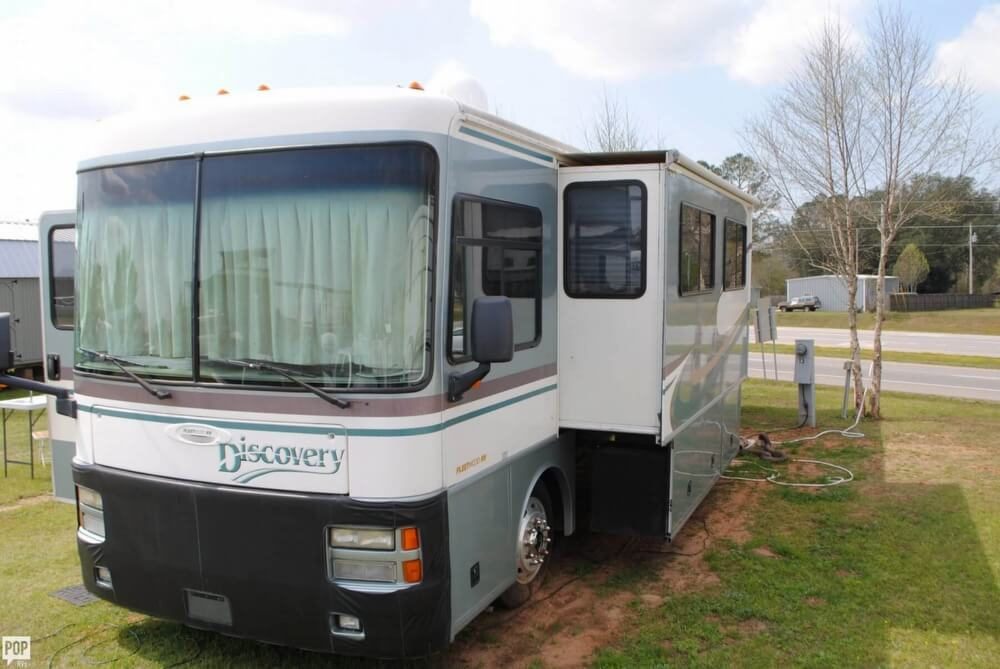2000 Fleetwood Discovery 38, 1