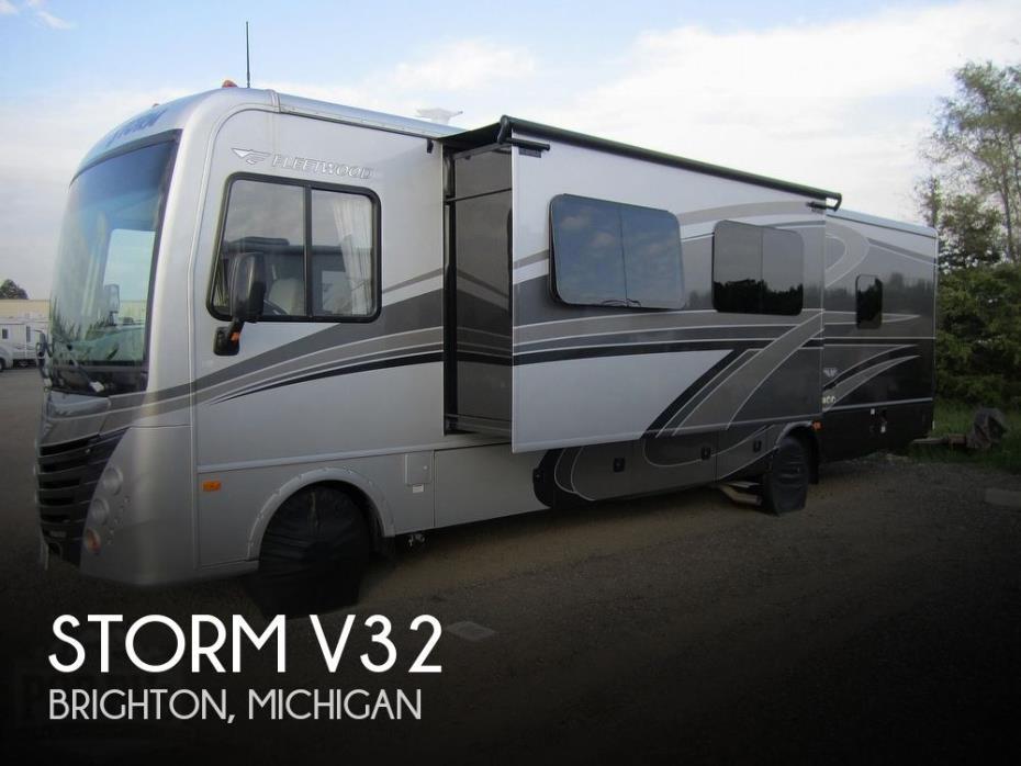 2016 Fleetwood Storm 32V