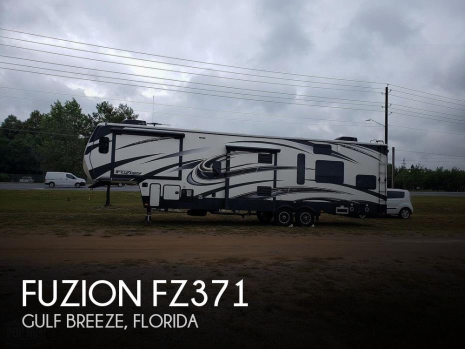 2015 Keystone Fuzion FZ371