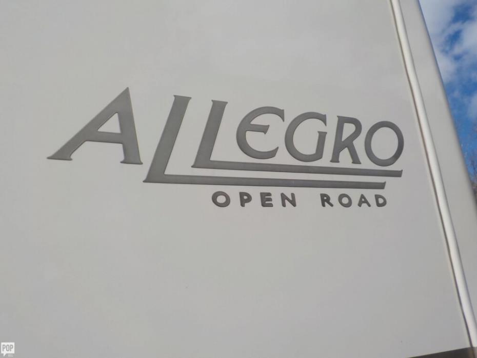 2008 Tiffin Allegro 32BA, 4