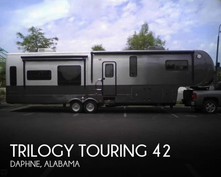2013 Dynamax Trilogy Touring 42