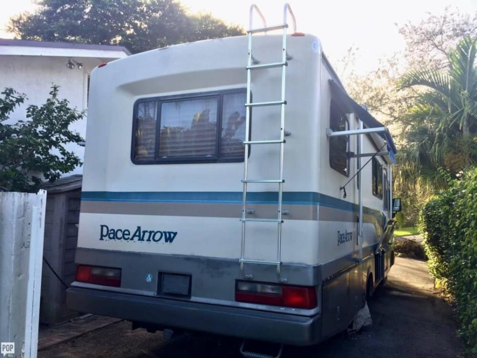 1994 Fleetwood Pace Arrow 30E, 2