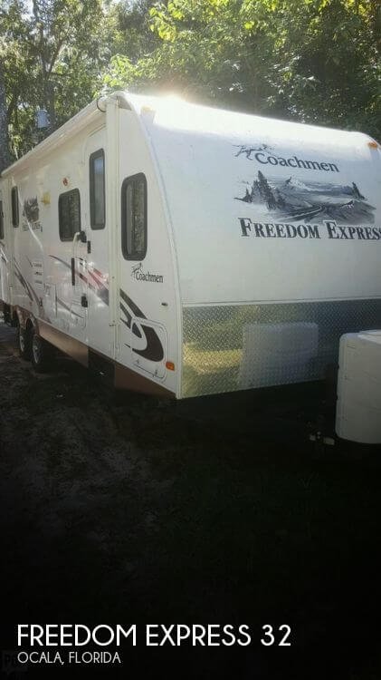 2012 Coachmen Freedom Express 32