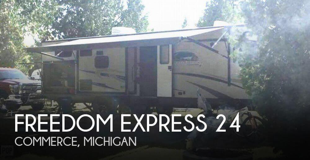 2015 Coachmen Freedom Express 320 BHDS Liberty Edition