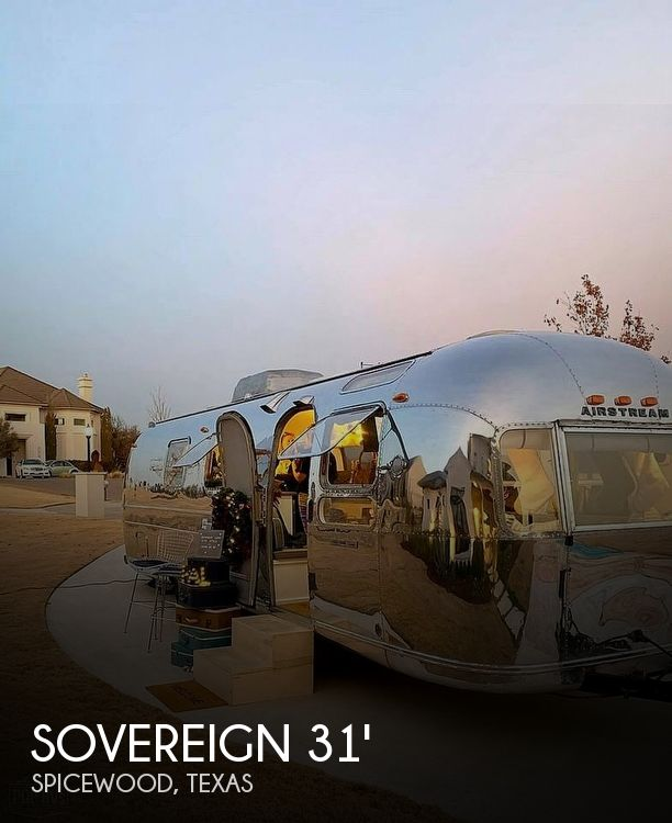 1971 Airstream Sovereign 31 Ft Lounge/ Bar